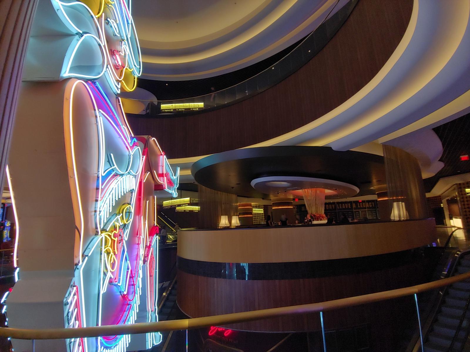 Vegas-Vickie-20201028_03